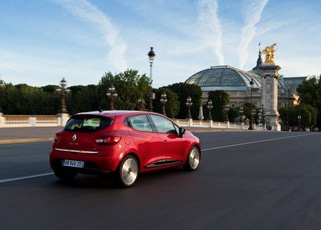 Renault_33437_global_en