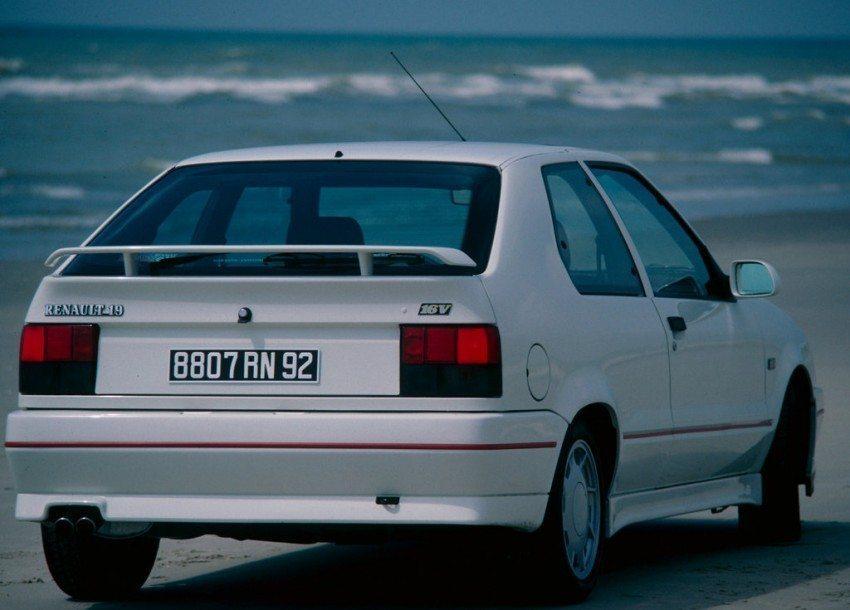 Renault 19 1.8 16v manual