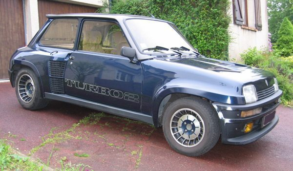 historie renault 5 turbo 1 en 2. Black Bedroom Furniture Sets. Home Design Ideas