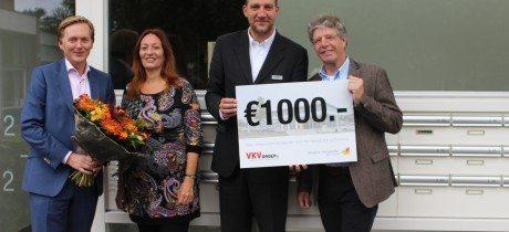 VKV Renault Wijk bij Duurstede overhandigt cheque aan Hospice