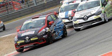 Renault viert 40 jaar cupraces tijdens Pinksterraces op Circuit Park Zandvoort