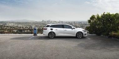 Renault MEGANE: vernieuwd en beschikbaar als hybride