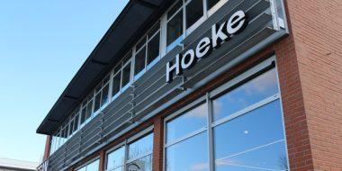 Overname Autobedrijf Hoeke Nissan door Van Mossel Automotive Groep