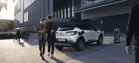 De 'full hybrid'-versie van de Renault CAPTUR is nu leverbaar